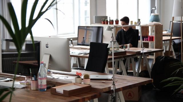 Бонуси и придобивки за служителите във фирмите